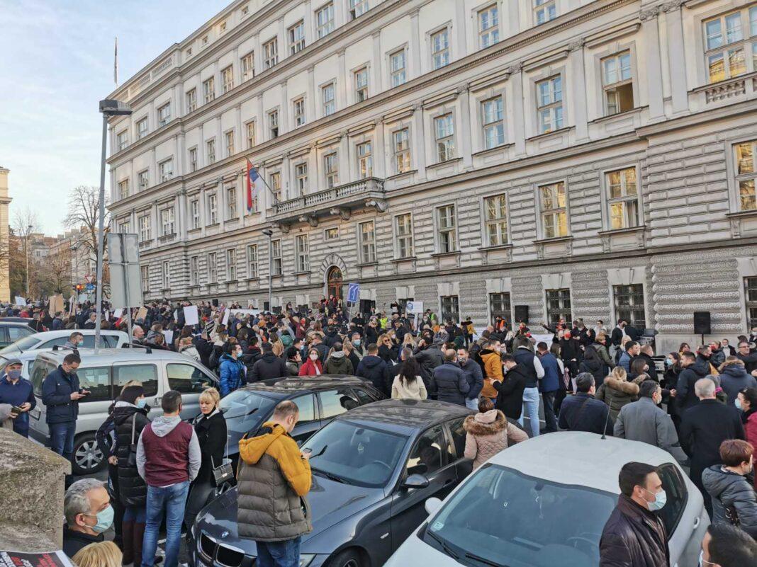 Protest privrednika i radnika: Minut do dvanaest