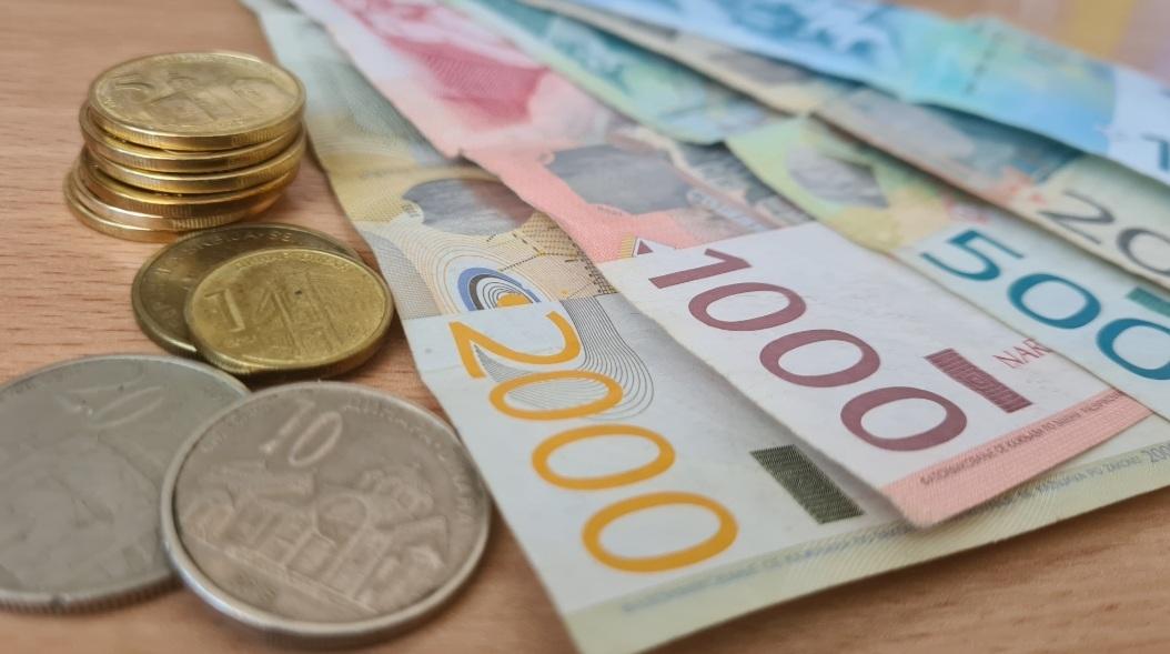 Država smanjuje subvencije javnim preduzećima
