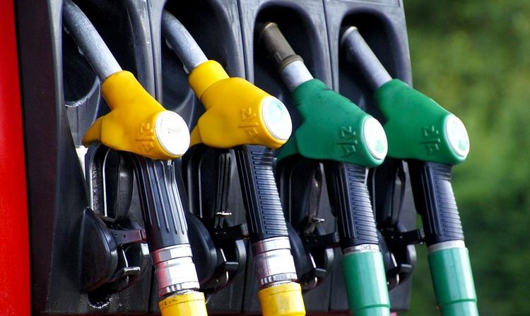 Zašto benzin konstantno poskupljuje?